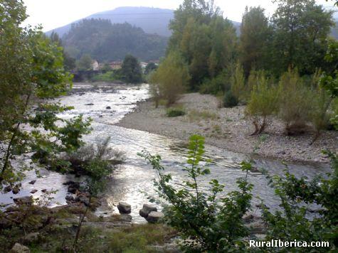 Río Asón a su paso por Gibaja. Gibaja, Cantabria - Gibaja, Cantabria, Cantabria