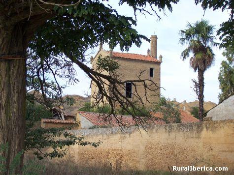Fábrica de orujo y otros licores (ahora en ruina) - San Adrian del Valle (León), León, Castilla y León