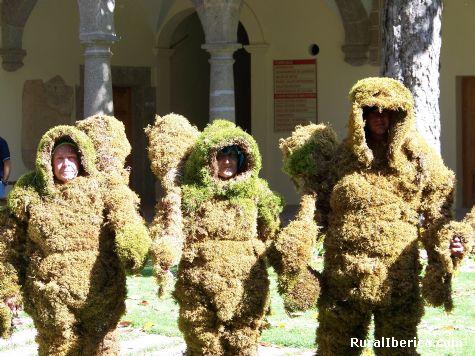Hombres de musgo. Béjar, Salamanca - Béjar, Salamanca, Castilla y León