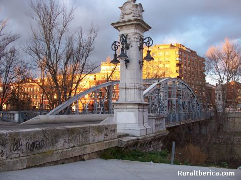Puente de Hierro sobre el r�o Carri�n. Palencia - Palencia, Palencia, Castilla y Le�n