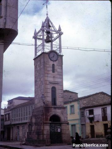 plaza do reloxo entrives ano 1368 hoxe este reloxo non existe - trives, Orense, Galicia