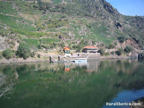 Rio Sil, Ribera Sacra, Doade, Lugo. foto tomada desde O Val, Ourense - Doade, Lugo, Galicia
