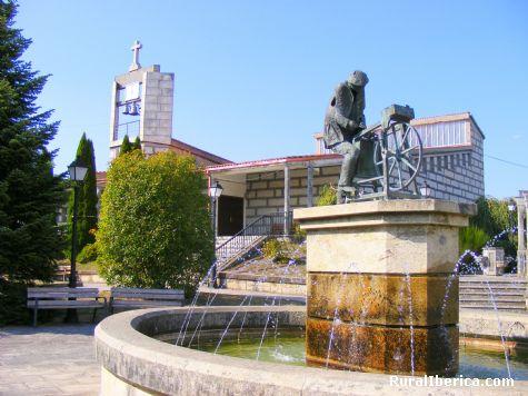 Monumento homenaje al afilador. Luintra, Ourense - Luintra, Orense, Galicia