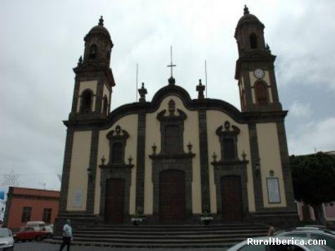Iglesia de Santa Mar�a de Gu�a de Gran Canaria - Santa Mar�a de Gu�a de Gran Canaria., Las Palmas, Islas Canarias