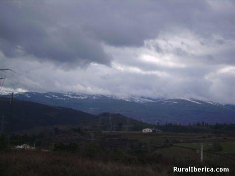 Manzanrda vista dende Larouco - Larouco, Orense, Galicia