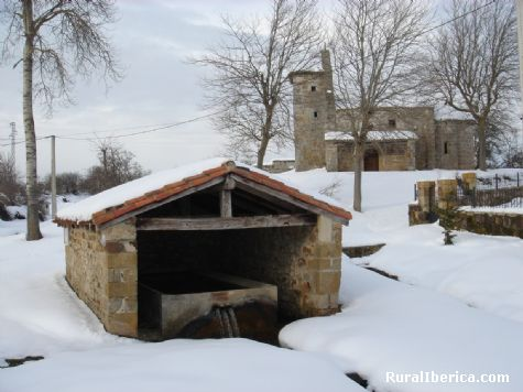 Lavadero e Iglesia. San Vicente Villamezan, Burgos - San Vicente Villamezan, Burgos, Castilla y León