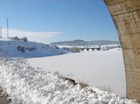Pantano del Ebro helado. Arija, Burgos - Arija, Burgos, Castilla y León