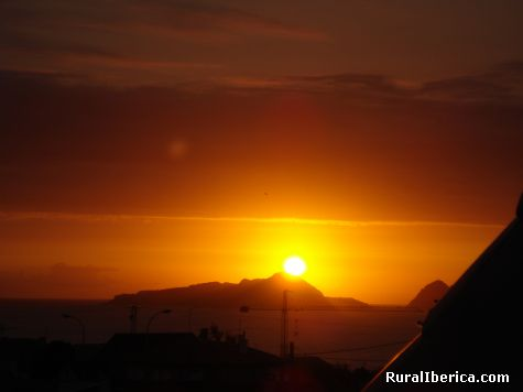 Posta do sol nas illas cies ria de vigo - vigo, Pontevedra, Galicia