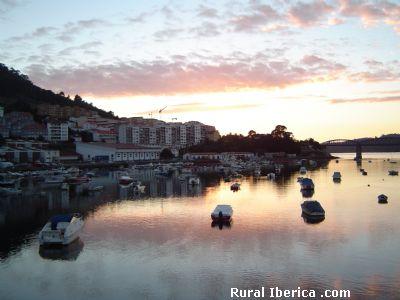 Anochecer en Pontedeume - Pontedeume, La Coru�a, Galicia