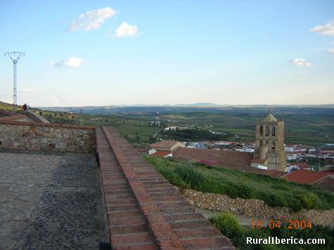 Iglesia mudéjar de Hornachos desde el Pósito. Hornachos, Badajoz - Hornachos, Badajoz, Extremadura