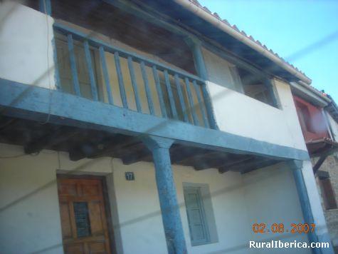 Casa típica de Pardesivil - León, León, Castilla y León