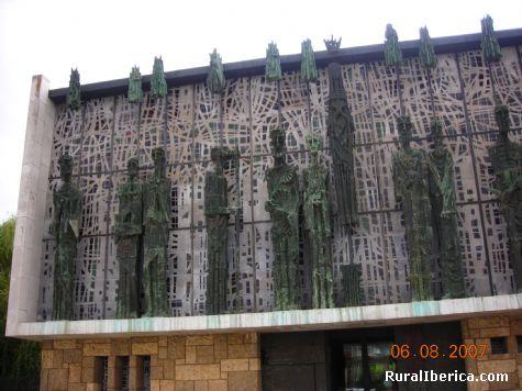 Santuario de La Virgen del Camino - León, León, Castilla y León