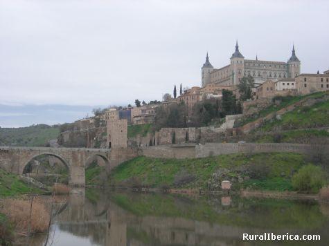 El Alcazar desde el Tajo. Toledo, Castilla la Mancha - Toledo, Toledo, Castilla la Mancha
