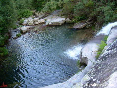 Melón, el río cerves - MELON, Orense, Galicia