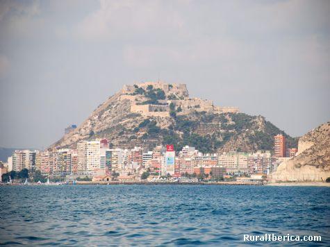 Alicante desde el mar. Alicante, Comunidad Valenciana - Alicante, Alicante, Comunidad Valenciana