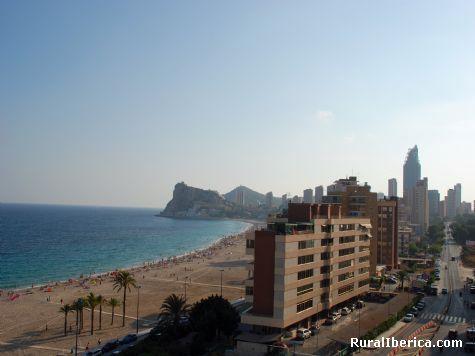 Playa de Poniente de Benidorm. Benidorm, Alicante - Benidorm, Alicante, Comunidad Valenciana