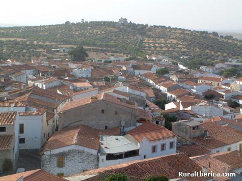 Fotos val ncia de alc ntara desde torre del castillo for Hoteles en valencia de alcantara