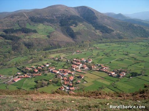 Sopeña de Cabuérniga desde La Cruz. Sopeña, Cantabria - Sopeña, Cantabria, Cantabria