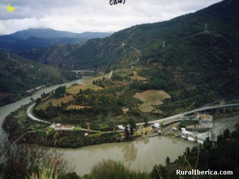Vista desde Alvaredos, presa de San Martiño - Petín, Orense, Galicia
