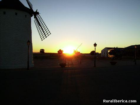 ¡Se pone el sol, amigo Sancho! Munera, Albacete - Munera, Albacete, Castilla la Mancha