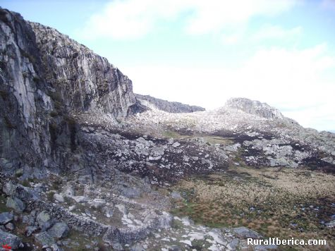 Glaciar. Manzaneda, Orense - Manzaneda, Orense, Galicia