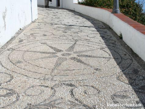 Decorados en las calles. Nerja, Málaga - Nerja, Málaga, Andalucía
