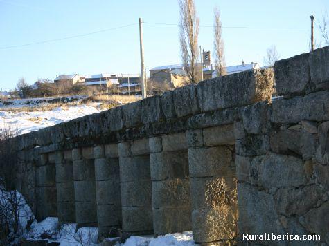 Puente sobre el Alberche en San Martín de la Vega del Alberche - San Martín de la Vega del Alberche, Ávila, Castilla y León