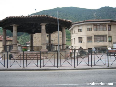 Plaza. Potes, Cantabria - Potes, Cantabria, Cantabria