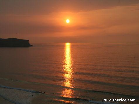 Puesta de sol en la Playa de Los Locos (Suances) - Suances, Cantabria, Cantabria