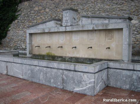 Fuente de las Seis Villas. Pravia, Asturias - Pravia, Asturias, Asturias