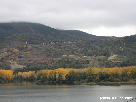 Oto�o en Santa Mar�a y Mones - PETIN, Orense, Galicia