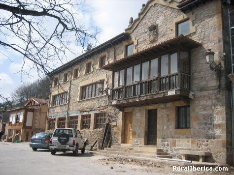 Ayuntamiento. San Pedro del Romeral, Cantabria - San Pedro del Romeral, Cantabria, Cantabria