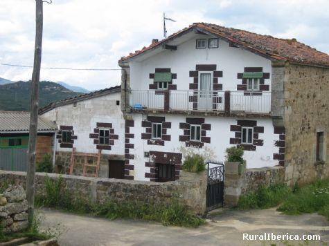Casa familia Lantaron. Montejo de Bricia, Burgos - Montejo de Bricia, Burgos, Castilla y León
