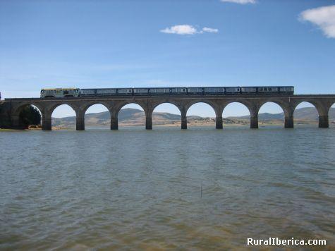Paso del Tren sobre el Ebro. Arija, Burgos - Arija, Burgos, Castilla y León
