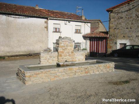 Fuente. Espinosa de Bricia, Cantabria - Espinosa de Bricia, Cantabria, Cantabria