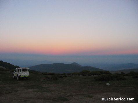 Atardecer en las cumbres de Gredos. El Tiemblo, Ávila - El Tiemblo, Ávila, Castilla y León
