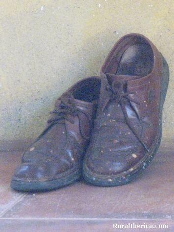 Zapatos. Hervás, Cáceres - Hervás, Cáceres, Extremadura