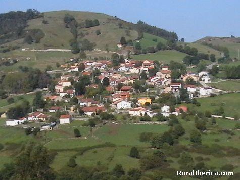 Vista del pueblo de Labarces. Valdaliga - Santander, Cantabria, Cantabria