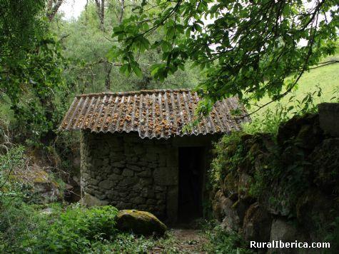 Molino restaurado en Cádavos-Ourense - Cádavos, Orense, Galicia