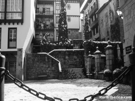 Plaza de las Cadenas. Hondarribia, Guipúzcoa - Hondarribia, Guipúzcoa, País Vasco