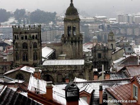 Neve na carretera de orense - Santiago, La Coruña, Galicia