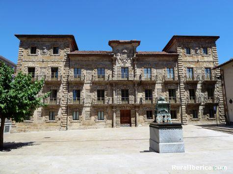 Palacio Camposagrado (Siglo XVII). Avilés, Asturias - Avilés, Asturias, Asturias