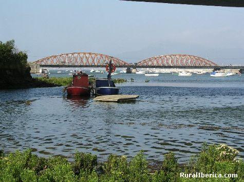 Antiguo puente giratorio. Colindres, Cantabria - Colindres, Cantabria, Cantabria