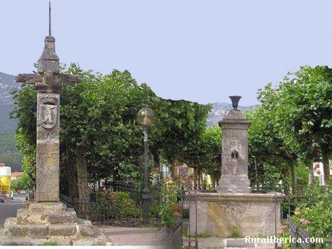 Pikpta y fuente. Lakuntza, Navarra - Lakuntza, Navarra, Navarra