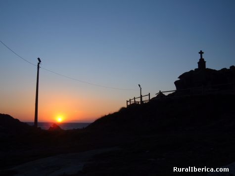 Puesta de sol en Queiruga. Ribeira, La Coruña - Ribeira, La Coruña, Galicia