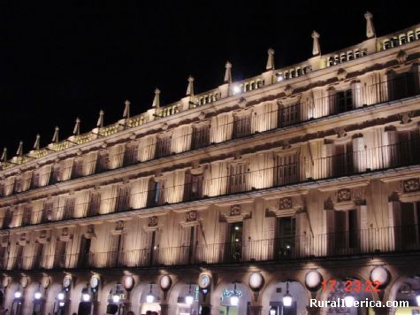 Plaza Mayor de Salamanca de noche. Salamanca, Castilla y León - Salamanca, Salamanca, Castilla y León