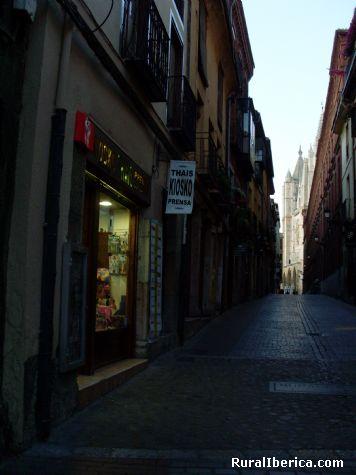 Paseando por el Barrio Húmedo de León - León, León, Castilla y León