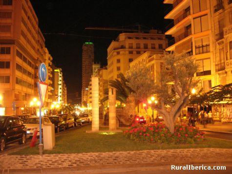 La Rambla  y el Hotel Gran Sol. Alicante - Alicante, Alicante, Comunidad Valenciana