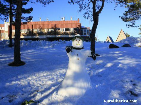 Un muñeco de nieve  - Manzaneda, Orense, Galicia