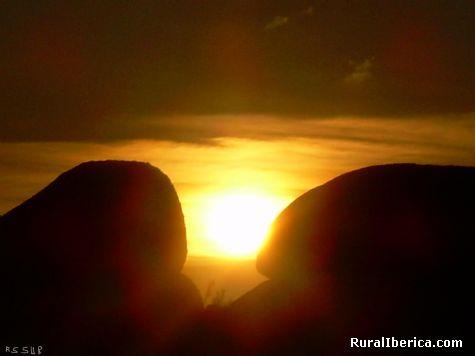 Puesta de sol en el Valle de los Faraones. Manzaneda - Manzaneda, Orense, Galicia